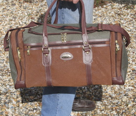 Holdalls & Flight bags